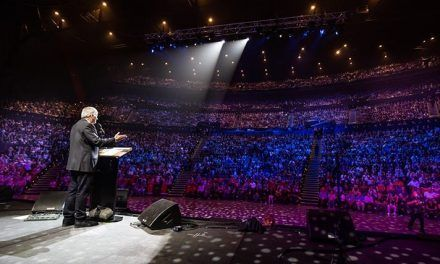 Australian Crowds Applaud Biblical View of Marriage
