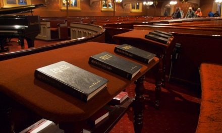 Why Churches Should Ditch The Projector Screens And Bring Back Hymnals
