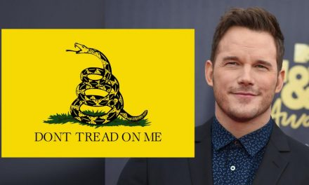 Now Chris Pratt Is a Racist Because He Wore a 'Don't Tread on Me' Shirt?