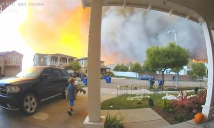 Terrifying Door Bell Camera Catches California Fires Surround Family and Neighborhood 'Watch Video'