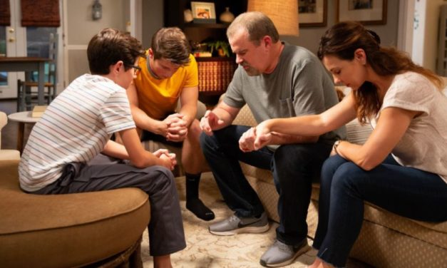 50 Accept Christ in Theater after Watching Faith-Based Film Overcomer