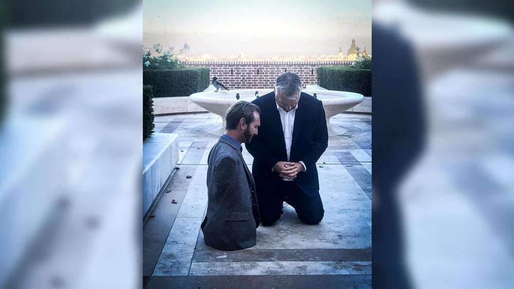 POWERFUL: Hungary's President Posts Photo to Social Media of Nick Vujicic and Himself Praying