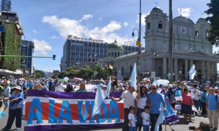 Tens of Thousands of People in Costa Rica Join March for Life to Protest Against Abortion